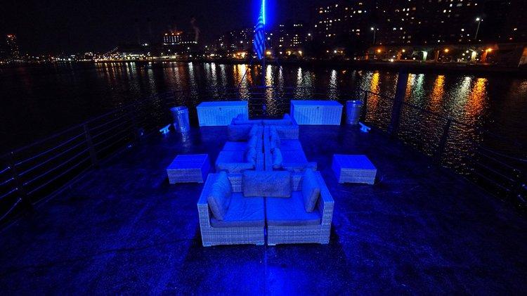 Classic boat rental in New York Skyport Marina, NY