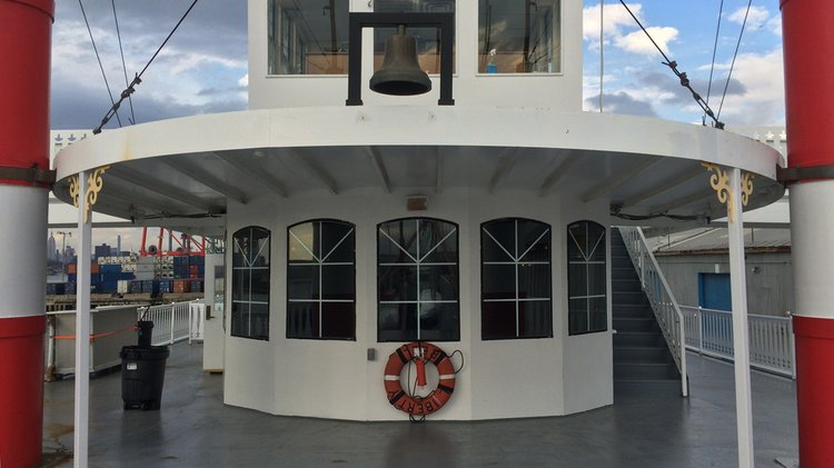 Discover New York surroundings on this River Boat Paddlewheel boat