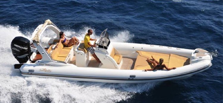 Inflatable outboard boat for rent in Msida