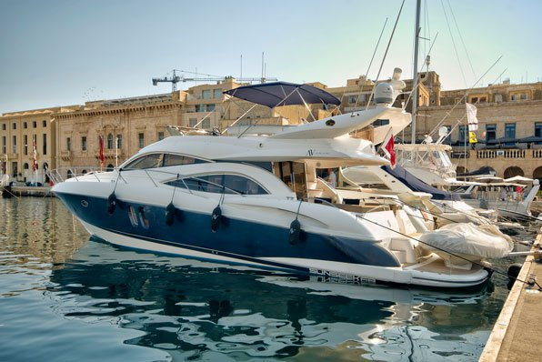 Cruise in style in Malta aboard Sunseeker Manhattan 56