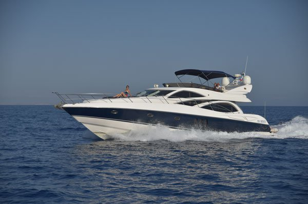 Sail Malta water on a beautiful Sunseeker Manhattan 64