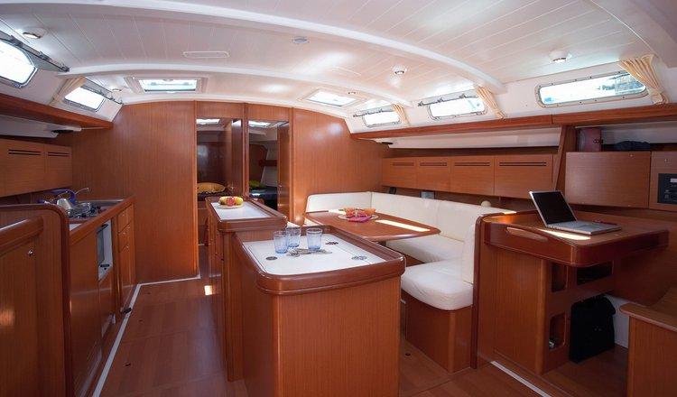 Boat for rent Benetau 51.34 feet in Gzira,