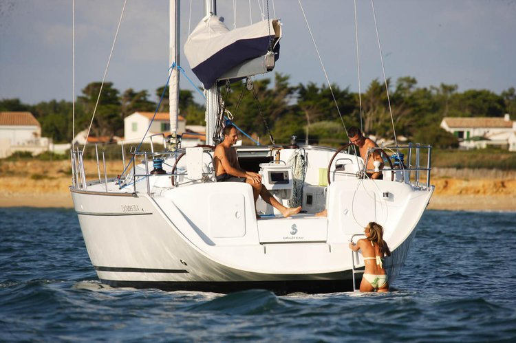 Sloop boat for rent in Gzira