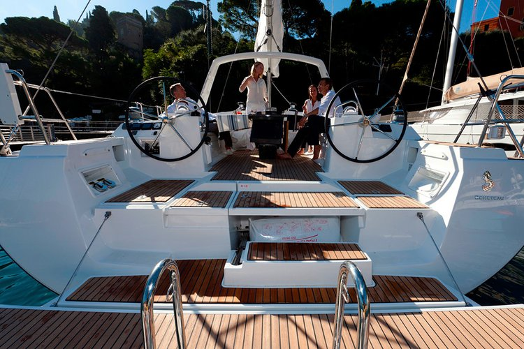 Beneteau boat for rent in Gzira