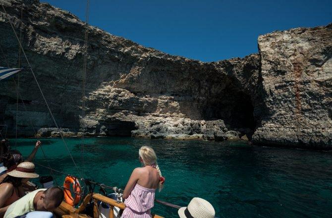 Boat rental in San Pawl Il-Baħar,