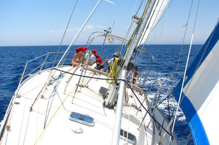 Boat for rent Jeanneau 41.5 feet in Λαρνακα,
