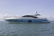 70' Italian Luxury Yacht With 3 Staterooms With Captain & Crew