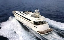Cruise Maltese waters on a beautiful & luxurious Canados 110
