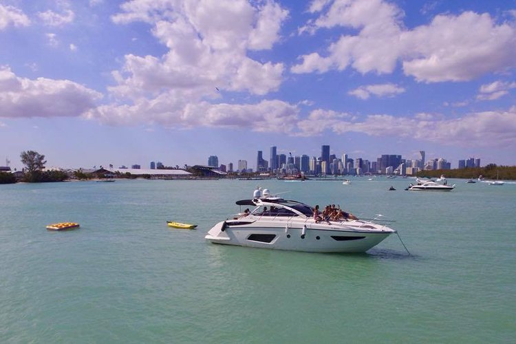 Azimut's 44.1 feet in Key Biscayne