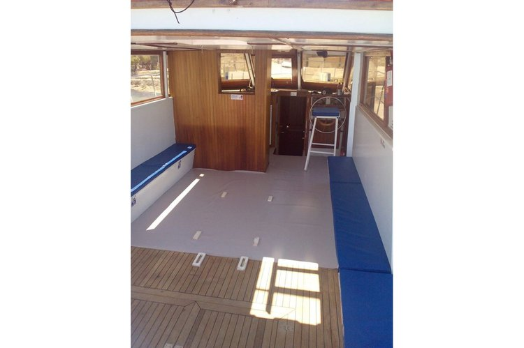 Up to 30 persons can enjoy a ride on this Offshore sport fishing boat
