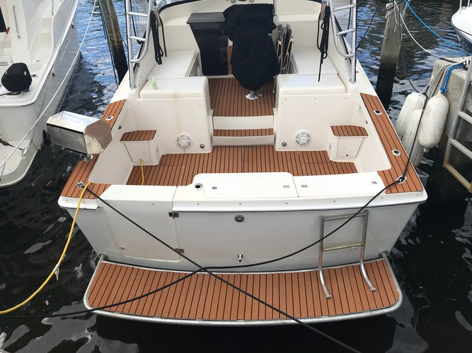 Luhrs's 31.0 feet in Miami