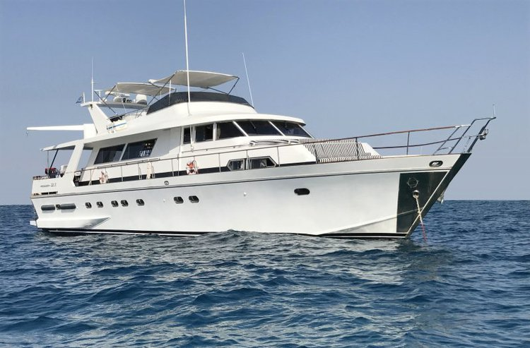 Pegasus 22m is perfect for day cruising in Malta