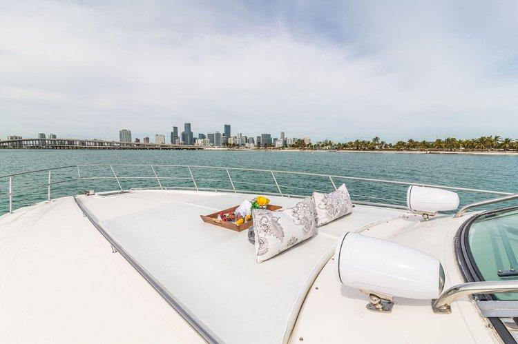 Cruiser boat rental in Harbor West Marina, FL