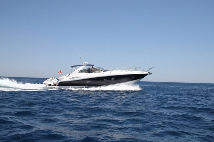 Enjoy the beauty around Malta aboard Sunseeker Portofino 46