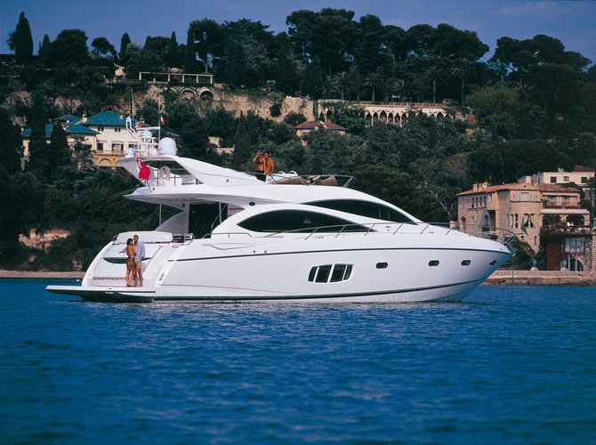 Enjoy cruising around Malta aboard this beautiful Sunseeker Manhattan 70