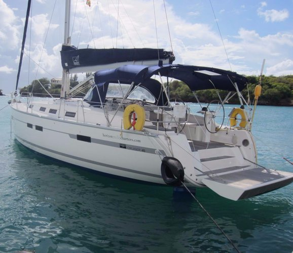 Enjoy this summer in a unique way in Grenada aboard Bavaria 45
