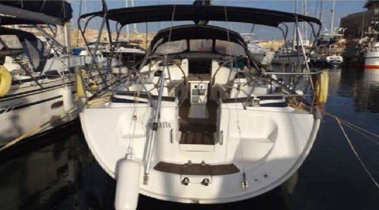 Boat rental in St Julian's,