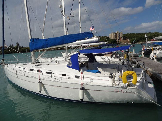 Have fun in Grenada aboard this awesome 53' cruising monuhull