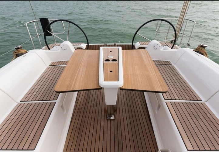 Up to 6 persons can enjoy a ride on this Dufour boat