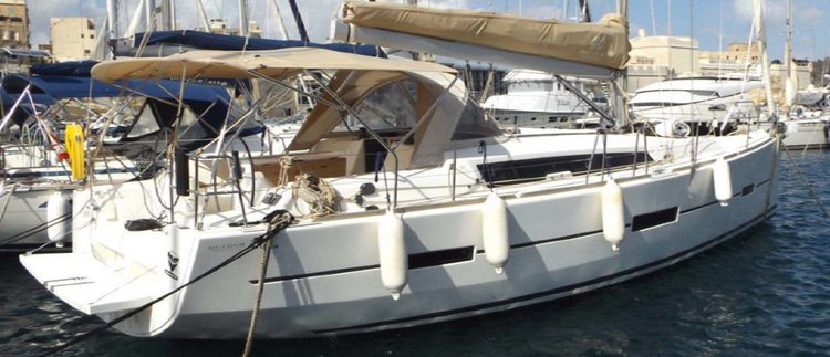 Discover St Julian's surroundings on this 410 Grand' Large Dufour boat