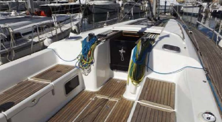 Dufour 45's 45.0 feet in St Julian's