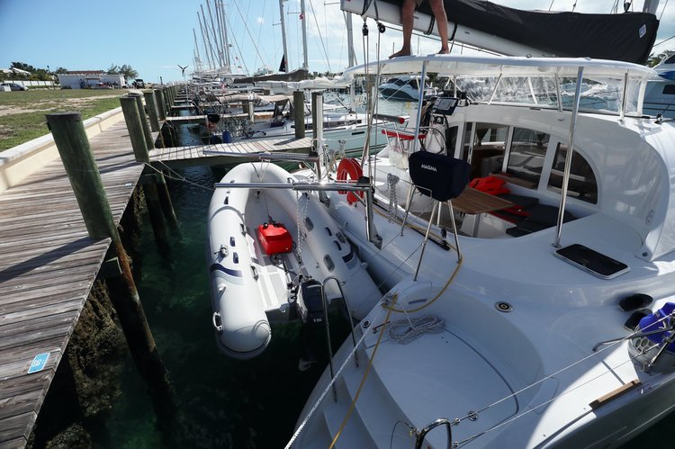 Boat for rent Lagoon 38.0 feet in Nassau,