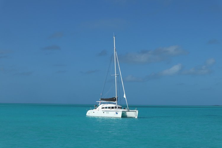 Spend some quality time with your loved ones in Bahamas aboard Lagoon 380