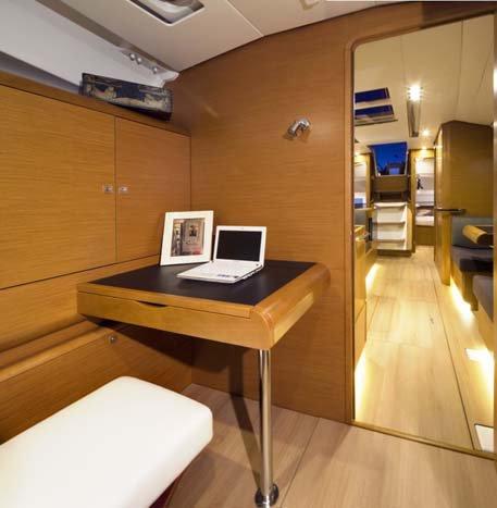 Sloop boat for rent in Nassau