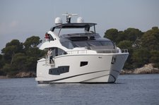 Charter this stylish and exclusive the Sunseeker 86 Fly in Malta