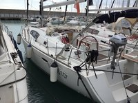 Have fun in sun in Grenada aboard this elegant Oceanis 43