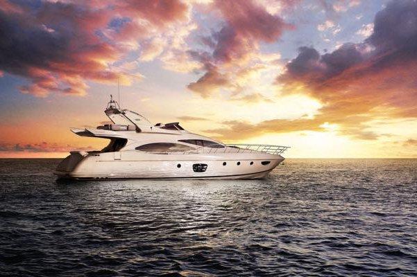 Miami Yacht Rental - 68 Azimut!