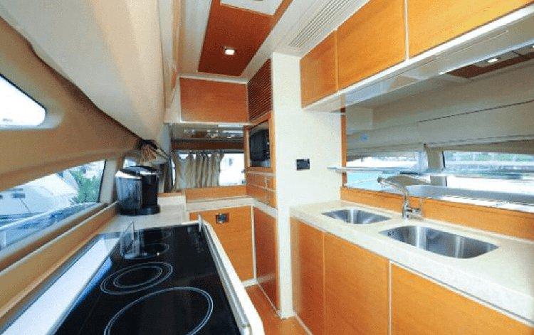 Cruiser boat rental in island Gardens Marina, FL