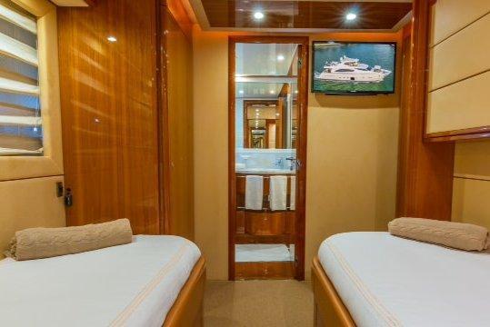 Boat for rent Ferreti 88.0 feet in Island Garden Marina,