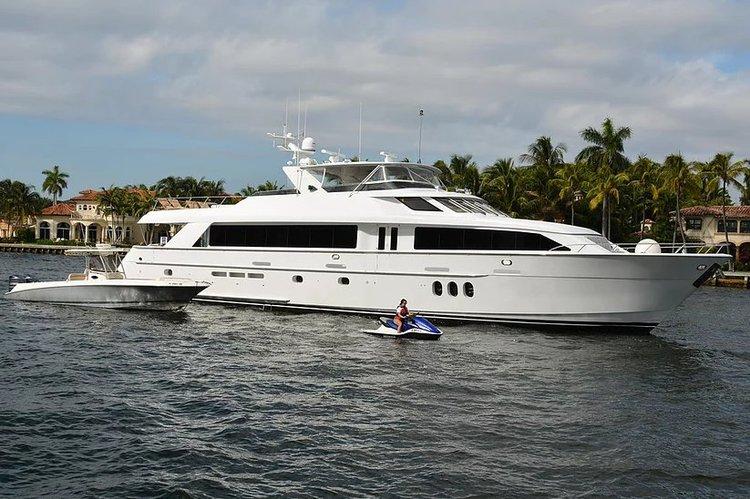 Hatteras's 100.0 feet in Miami Beach