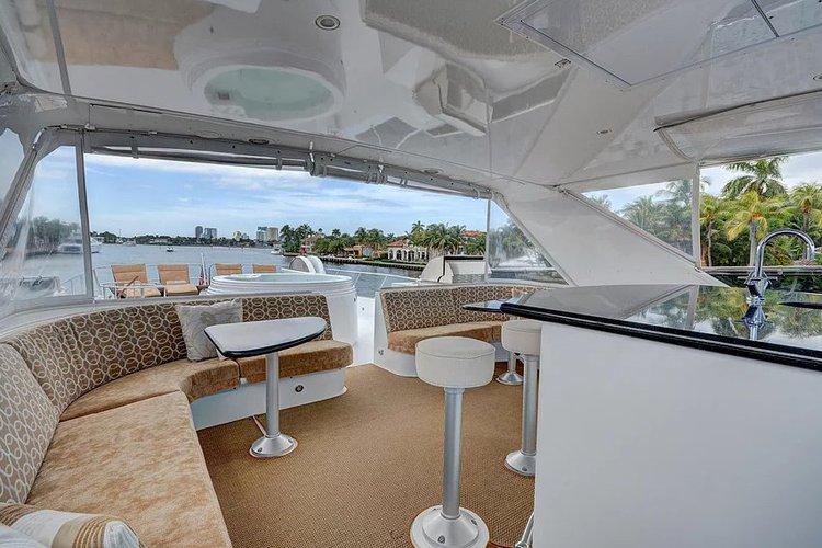Hatteras's 100.0 feet in West Palm Beach