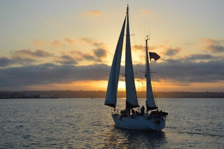 55' Luxury Sail Yacht for up to 27 People!