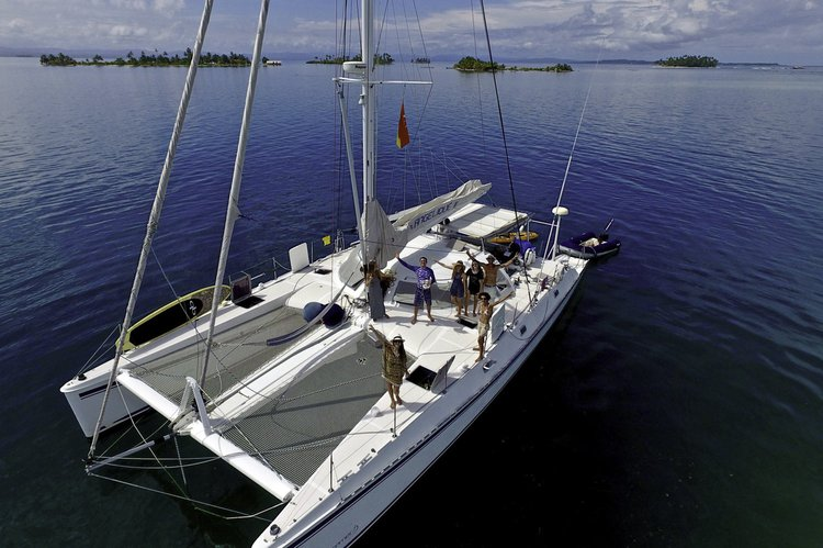 The fastest and stronger catamaran in the market