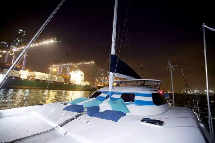 Catamaran boat for rent in Cartagena