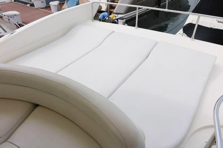 Discover Phuket surroundings on this 55 Evolution Azimut boat