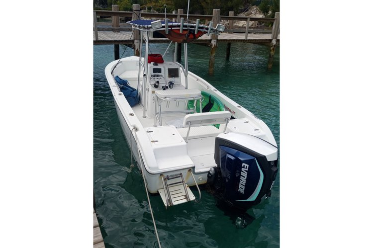 Discover Nassau surroundings on this SV 2300 Sea Pro boat