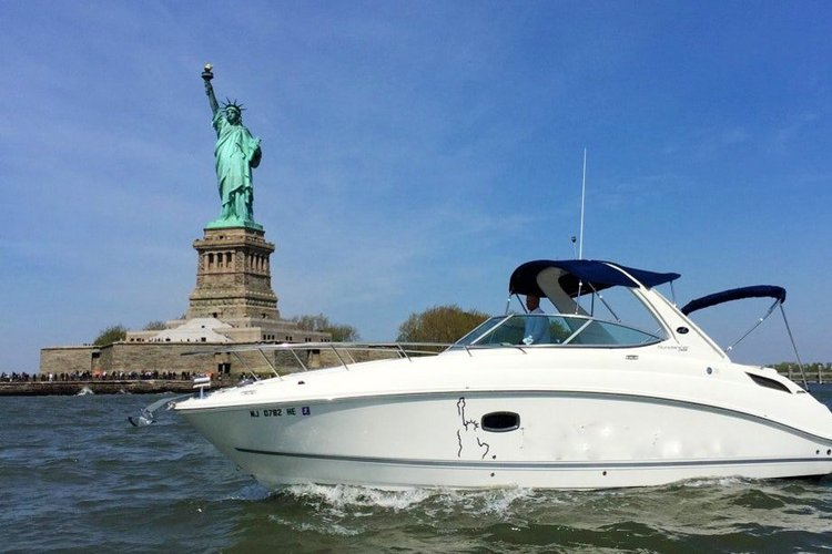 Experience New York Harbor on Sea Ray 280 Sundancer  * Call or Text 725-222-0381
