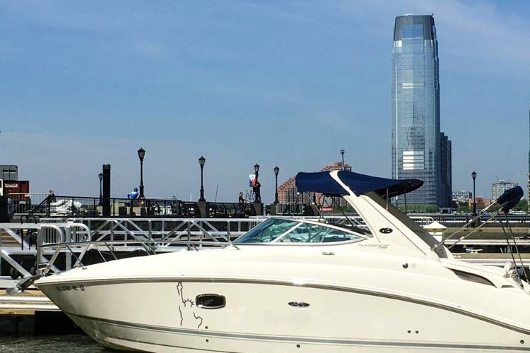 Cuddy cabin boat for rent in New York