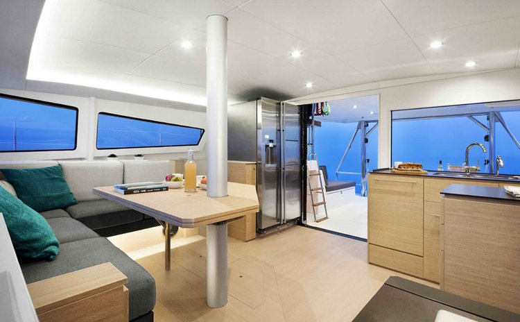 Discover Phuket surroundings on this 4.5 Bali boat