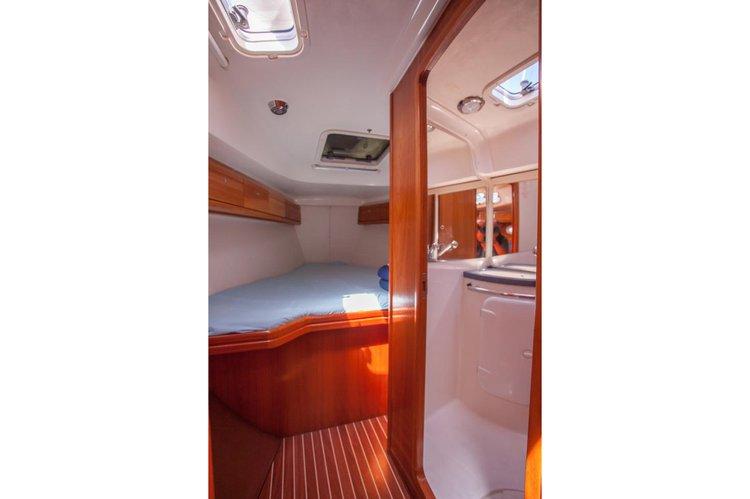 Discover Sibenik surroundings on this 37 Cruiser Bavaria boat