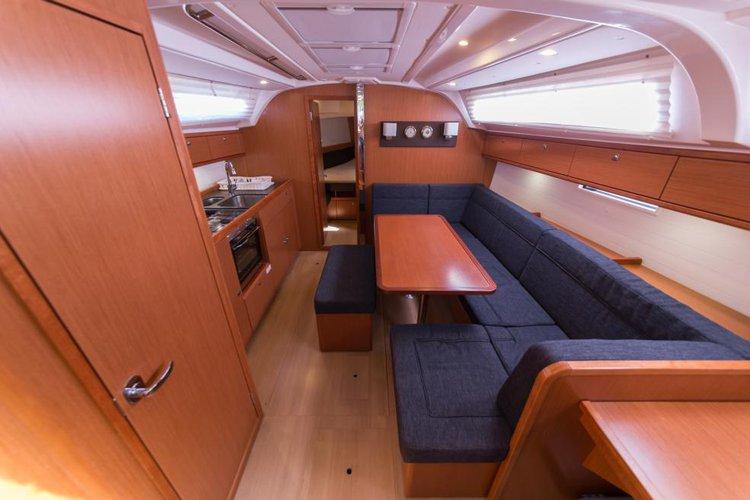 Discover Sibenik surroundings on this Cruiser 41 Bavaria boat