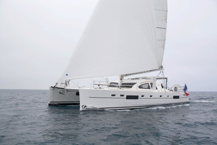 This 55.0' Catana cand take up to 12 passengers around Le Marin