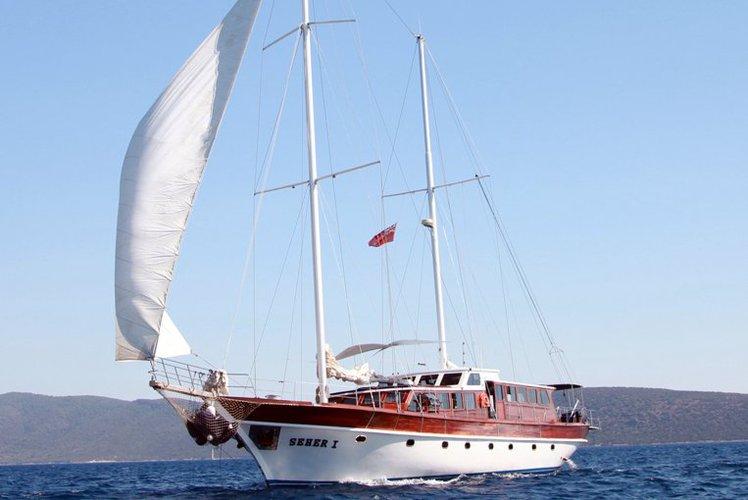 Motorsailer boat rental in Corfu, Gouvia Marina,