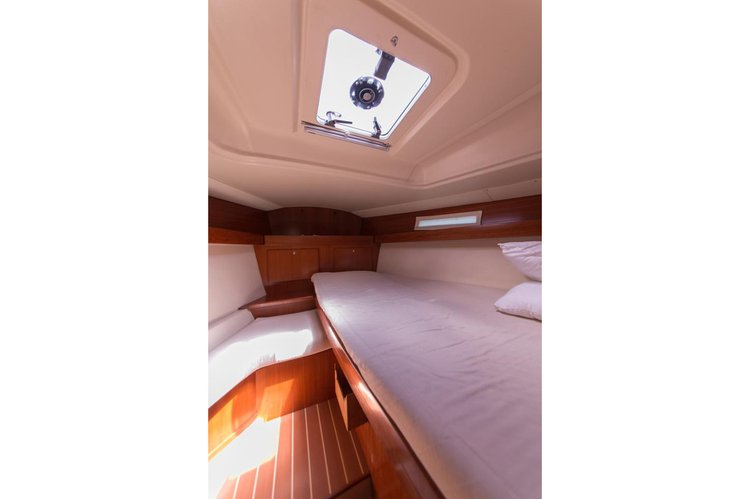 Discover Sibenik surroundings on this 365 GL Dufour boat