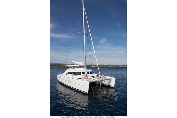 Boat for rent Lagoon 38.0 feet in Le Marin, Martinique