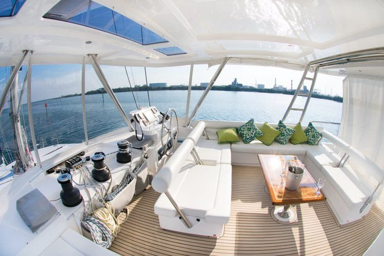Catamaran boat rental in Key Largo, FL